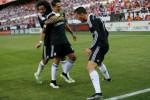 Pemain Real Madrid Ronaldo (ka) rayakan gal bersama Marcelo dan Hernandez. JIBI/Rtr/Marcelo del Pozo