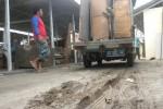 Permukaan beton untuk dasaran pedagang oprokan sudah rusak kendati pasar darurat Grogol belum digunakan untuk berjualan, Minggu (3/5/2015). (JIBI/Solopos/Moh. Khodiq Duhri)