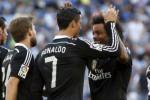 Bintang Real Madrid Ronaldo rayakan gol keduanta ke gawang Espanyol. JIBI/Rtr/Gustau Nacarino