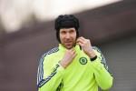Petr Cech Segera Hengkang ke Arsenal (Reuters /Tony O'Brien)