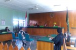 Subardiyanto, anggota Satpol PP hadiri sidang perdana pembacaan dakwaan atas kasus laporan palsu di Pengadilan Negeri Wates, Kamis (7/5/2015). (Holy Kartika N.S/JIBI/Harian Jogja)