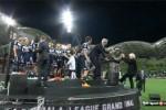 Presiden Federasi Sepak Bola Australia Jatuh