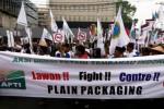 Petani tembakau demo di depan Kedubes Prancis, Selasa (9/6/2015). (Rahmatullah/JIBI/Bisnis)