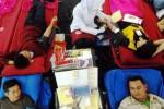 Penyumbangan massal darah di pusat perbelanjaan Semarang, Sabtu (13/6/2015). (JIBI/Solopos/Antara/Aditya Pradana Putra)