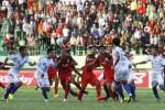 Keributan dalam laga Persis Solo vs PSIS Semarang di Stadion Manahan, Solo, Minggu (14/6/2015). (Reza Fitriyanto/JIBI/Solopos)
