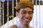 GAJI PRESIDEN : Ditanya Penaikan Gaji, Jokowi: Jangan Aneh-Aneh!