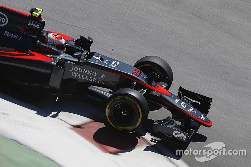 Pembalap McLaren Jensen Button melaju dengan mobil jetnya Formula One. Ist/motosport.com