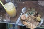 Salah satu menu makanan yang disajikan kantin Mbok Jum (Eni Widiastuti/JIBI/Solopos)