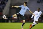 Edinson Cavani menjadi tumpuan utama Uruguay (Reuters/Andres Stapff)