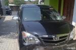 KECELAKAAN MOJOKERTO : Mobil Berstiker TNI Diamuk Massa Seusai Tabrak Lari