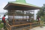 Pengunjung melihat hewan koleksi Objek Wisata Sendang Asri Waduk Gajah Mungkur (OWSA-WGM) Wonogiri, Kamis (25/6/2015). (Muhammad Ismail/JIBI/Solopos)