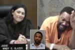 Arthur Booth (kanan) menangis melihat sang hakim yang ternyata sahabatnya sendiri (Skynews.com)