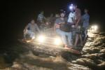 FOTO MUDIK LEBARAN 2015 : Banjir Adang Pemudik di Aceh Jaya