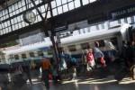 Pemudik berangkat dari Stasiun Senen, Jakarta, Rabu (22/7/2015). (JIBI/Solopos/Antara/Rosa Panggabean)
