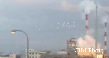 Foto penampakan diduga UFO di Jepang (Dailymail.co.uk)