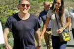Pasangan olahragawan Bastian Schweinsteiger dan Ana Ivanovic bergandengan. Ist/twitter.com