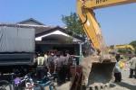 Proses pengosongan lahan pada 32 KK di komplek Asrama Polri Gowok Caturtunggal, Depok, Sleman, Rabu (29/7/2015). (JIBI/Harian Jogja/Sunartono)
