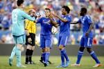 Kiper Chelsea Thibaut Courtois (ki) merayakan keberhasilannya menggagalkan tendangan penalti di International Champions Cup. JIBI/Reuters /Chris Keane