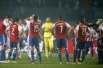 Reaksi para pemain Paraguay seusai ditaklukkan Argentina dengan skor telak 6-1. JIBI/Reuters