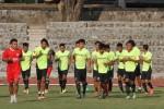 Para pemain Persis Solo sedang melakukan lathan di Stadion Sriwedari Solo beberapa waktu lalu. Sunaryo haryo Bayu/JIBI/Solopos