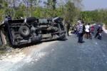 kondisi mobil travel setelah terguling. (Istimewa/JIBI/Solopos)