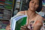 FOTO TAHUN AJARAN BARU : Buku Bekas Diburu di Pasar Loak