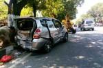 Kondisi mobil Honda Jazz berpelat nomor AD 9489 ZE rusak berat pada bagian belakang dan samping setelah terlibat kecelakaan di Jl. Raya Sukowati, tepatnya di depan RSUD Soehadi Prijonegoro Sragen, Minggu (23/8/2015). (Moh. Khodiq Duhri/JIBI/Solopos)