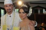 Ika Tqla (kanan) dan Reza Pahlevi menikah (Liputan6.com)