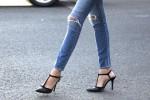 Ilustrasi Skinny Jeans (popsugar.com)