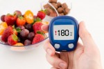 Ilustrasi mengukur kadar gula darah (Womenhealthandfitnes.com)