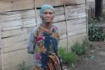 Saenah, nenek usia 102 tahun yang masih kuat memanggul beban 50 kg. (Okezone)
