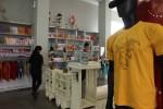 Salah satu desain kaus terbaru yang dikeluarkan saat libur Lebaran di Yogyatourium, Jogja, Rabu (29/7/2015). (JIBI/Harian Jogja/Kusnul Isti Qomah)