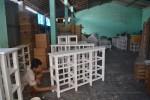 Pengrajin rotan Trangsan Gatak Sukoharjo menyelesaikan pesanan. (Bony Eko Wicaksono/JIBI/Solopos)