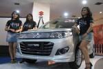 Sejumlah sales promotion girl berfoto di samping Karimun Wagon R SG, beberapa waktu lalu di Ambarukmo Plaza. (JIBI/Harian Jogja/Abdul Hamied Razak)