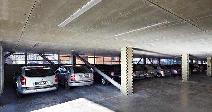 Ilustrasi parkir mobil dalam gedung. (lindab.com)