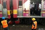 KECELAKAAN KERETA API : 2 KRL Bertabrakan di Stasiun Juanda