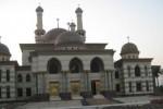 Masjid Agung Al Aqsha Klaten, Jonggrangan, Klaten Utara dibangun menggunakan dana APBD dengan total dana sekitar Rp65 miliar. Tahap terakhir pembangunan masjid itu ditarget rampung pada akhir November. Foto diambil Jumat (4/9/2015). (Taufiq Sidik Prakoso/JIBI/Solopos)