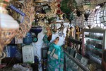 PELEMAHAN RUPIAH : Penjualan Barang Antik Sepi, Pedagang Pasar Triwindu Ketir-Ketir