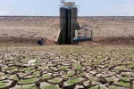 KEKERINGAN SRAGEN : Waduk Ketro Mengering, Petani Andalkan Sumur Pantek