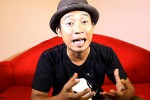 KABAR ARTIS : Asisten Denny Cagur Dituding Pukul Fotografer