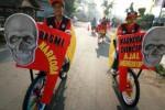 Peserta pawai sepeda hias BNN Art Bike Carnival melintasi jalanan Kota Kediri, Minggu (25/10/2015). (JIBI/Solopos/Antara/Prasetia Fauzani)