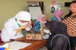 KELUARGA BERENCANA : Perempuan Kediri Gratis Pasang Kontrasepsi
