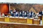 Pimpinan DPR gunakan masker saar sidang paripurna (Liputan6.com)