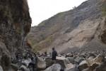 Tim gabungan meninjau Sungai Sipendok di kawasan hutan lindung Gunung Merbabu untuk mengantisipasi potensi longsor pascakebakaran hutan Gunung Merbabu, Kamis (15/10/2015). (Istimewa)