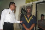 Tersangka pencabulan, Tpi, saat diperiksa polisi. (Trianto Hery Suryono/JIBI/Solopos)
