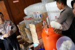 FOTO MIRAS JOMBANG : 324 Botol Arak Disita Polisi Jombang