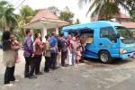 PELAYANAN MASYARAKAT : Bus Samsat Keliling Lebih Disukai Masyarakat Desa
