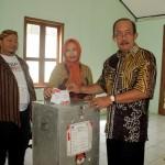 PILKADA SRAGEN : Amanto Menang Telak di TPS Sendiri