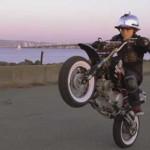 ATRAKSI MOTOR : Keren! Bocah 6 Tahun Ini Sudah Lihai Freestyle