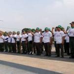 Sejumlah anggota Satgas Anti Politik Uang disiagakan di Alun-Alun Sasana Langen Putro, Sabtu (5/12/2015). (Moh Khodiq Duhri/JIBI/Solopos)